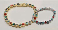 Armbånd med farvede krystaller forhandlet fra Beautidesign.dk, værdi kr. 695,-