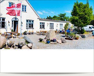Skønne Bogø Kro byder dig hjertelig velkommen i hyggelige omgivelser!