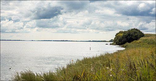 Besøg Danmarks skønne øer: Dejligt ophold på Femø Kro & Feriecenter midt i Smålandshavet!