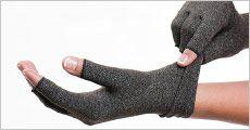 1 par gigt- & kompressions-handsker fra Stonevang Products, værdi kr. 179,-