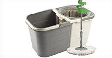 Nu bliver det meget nemmere at vaske gulv - Moppesæt med roterbart hoved og to-delt spand. Værdi kr. 438,-
