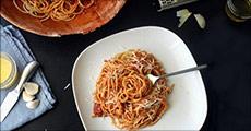 Lækre italienske retter - nemt og billigt. Du får 1 x Studenter måltidskasse med ingredienser til 10 måltider for 1 person. Værdi kr. 435,-