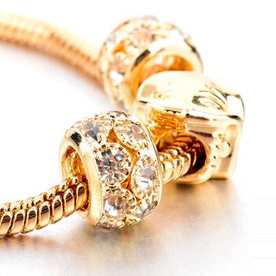 c2bce59f39e Romatco.com tilbyder lige nu hele 84% rabat på et Fashion Owl Charm armbånd!  Dealpris kun kr. 69,- / Normalpris kr. 423,- (prisen er inkl. fragt)